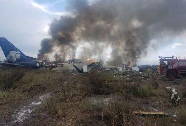 Se desploma avión de Aeroméxico en aeropuerto de Durango