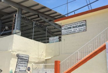 """Padres de familia de la Escuela Primaria """"Celerino Manzanares """" de Tlaquiltenango piden sea intervenida, pues a casi un año del sismo, aún no le han realizado ninguna obra de reparación"""