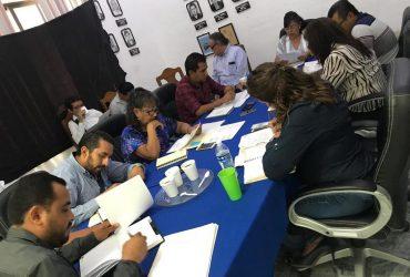 A puerta cerrada, cabildo de Zacatepec aprueba el dictamen de la nómina de los trabajadores.