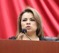 Busca diputada Érika García que alumnos de comunidades indígenas reciban una educación digna