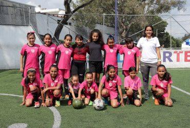 Abren inscripciones para clases de fútbol femenil en la Unidad Deportiva Centenario