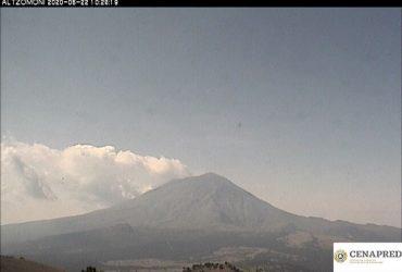 Exhalaciones acompañadas de gases y ceniza continúa emitiendo el volcán Popocatépetl
