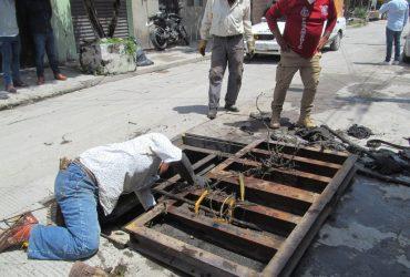 Taponamientos de drenaje y canales, causan inundaciones en colonia de Jojutla