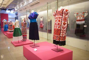 """Inauguran la exposición """"Rosas y Revelaciones – Homenaje Textil a la Virgen de Guadalupe"""""""
