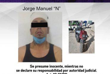Detienen a un hombre por posesión de una motocicleta con reporte de robo