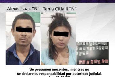 Detienen a una pareja que ofrecía droga afuera de un oxxo en Jojutla