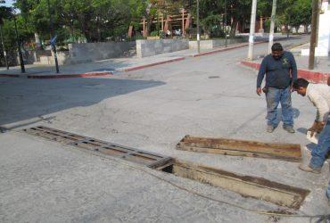 """Vecinos piden revisar """"Puente de los suspiros"""" en Jojutla. Y desazolvar las rejillas pluviales"""