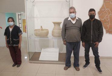 Muestra MMAPO canasta y florero de vara como pieza del mes